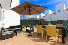 Casa adosada en Salou - MARILO Adosado con terraza y barbacoa, playa a 500m
