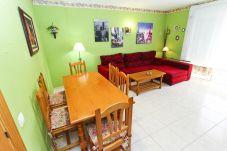 Alquiler piso para vacaciones en La Pineda. Salón Comedor MARPINEDA