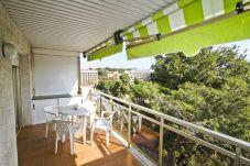 Vivienda para vacaciones en centro de Salou. Balcón PENTATLON3