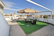 Apartamento en Cambrils - ALBA con terraza solárium y barbacoa, playa 200m