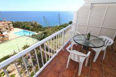 Alquiler en Salou cerca de playa con piscina. Balcón CABOMENOR