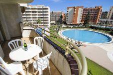 Apartamento en Salou - CORDOBA Apartamento con piscina, cerca de Port Aventura