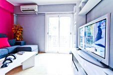 Alquiler Apartamento vacional centro Salou. Comedor TV FLANDRIA