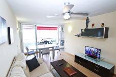 Alquiler apartamento vistas Cala Crancs Salou. Salón Comedor MORISCAS
