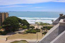 Apartamento en La Pineda - NEIA Ático con vistas al mar, playa a 100m