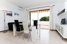 Alquiler apartamento para vacaciones en La Pineda. Comedor P.PRIMA3