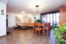 Alquiler piso vacacional al lado de la playa Cambrils. Comedor PINEDA1