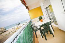 Apartamento en La Pineda - PINEDA 3 con vistas al mar, playa a 100m