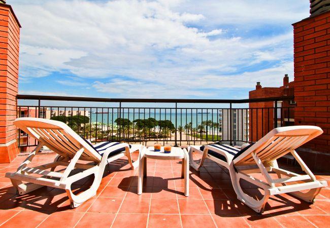 Apartamento en La Pineda - TECAVI terraza con vistas al mar, playa a 50m