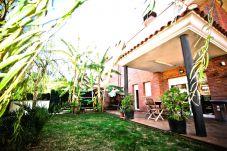 Casa en Salou - LLORER Adosado con jardín privado y zona de barbacoa