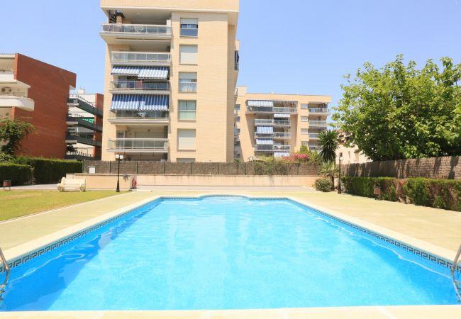 Apartamento en La Pineda - ROURA con piscina comunitaria, playa a 100m