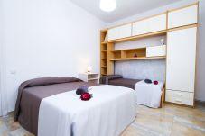 Alquiler Villa exclusiva piscina privada Tarragona. Habitacion VILLAMAR