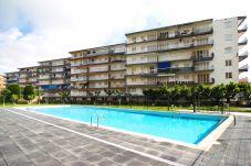 Apartamento en La Pineda - VICTORIA con piscina comunitaria, playa a 100m