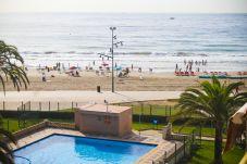 Apartamento en La Pineda - PINEDA 4 con vistas al mar y piscina