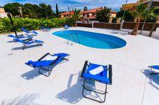 Villa en Salou - TROPICAL Villa con piscina privada, solo para familias