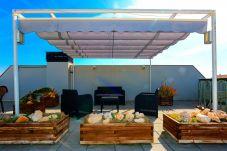 Apartamento en Cambrils - ATIC con terraza solárium y barbacoa. Playa a 100m