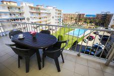 Apartamento en La Pineda - PINEDA 7 con piscina comunitaria, playa a 100m