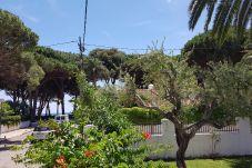 Villa en Cambrils - VILLA RIVERO Cambrils con jardín y barbacoa, Playa a 100m