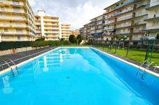 Apartamento en La Pineda - PINEDA 8 con piscina comunitaria, playa a 100m
