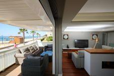 Apartamento en Salou - METROPOLITAN con vistas al mar, primera linea de la playa