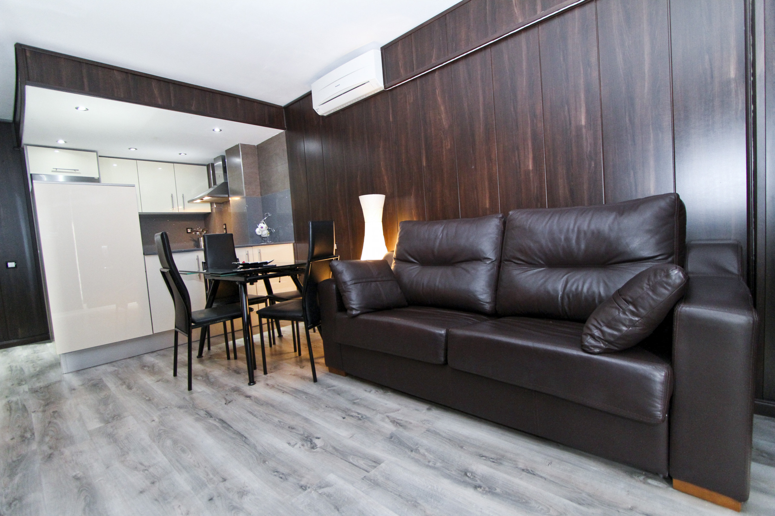 CODES Apartment with pool, near Port Aventura