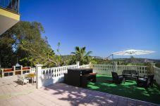 Alquiler Villa exclusiva piscina privada Tarragona. Jardin VILLAMAR