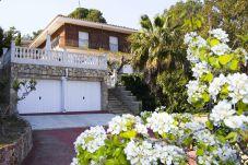 Villa à Tarragone - VILLAMAR avec piscine privée, espace barbecue