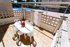 Alquiler piso en el centro cerca de playa Salou. Terraza C.DAURADA
