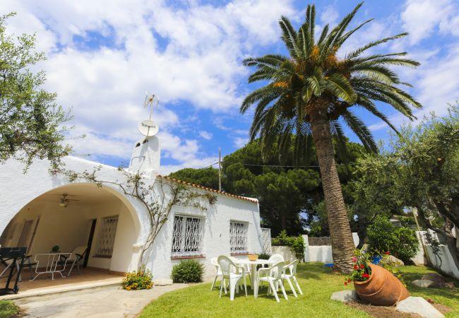 на Cambrils - RIVERO Дом с садом и зоной барбекю, только для семей
